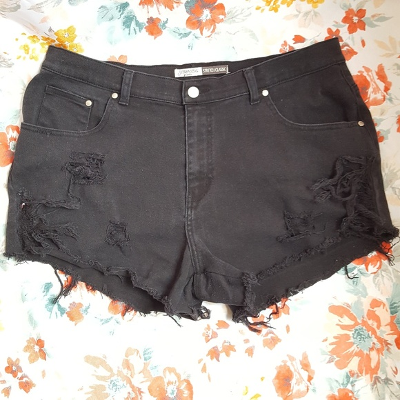 St. John's Bay Pants - Black Cut-Off Booty Shorts Ripped Destroyed Jeans